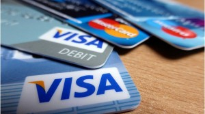 How to Sensibly Use Your Credit Card During the Holidays