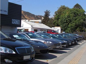 Love Cars? Good At Sales? You Should Become A New Car Dealer!