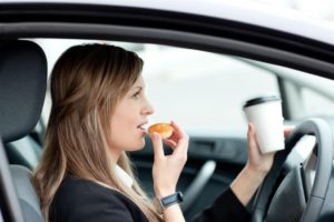 How to Eat Safely in Your Car