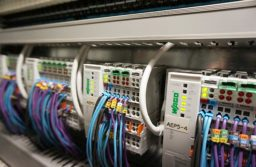 4 Benefits Of PLC Training Systems For Future Growth