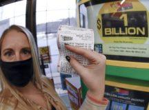 Michigan Mega Millions ticket wins massive $1.05 billion Lottery
