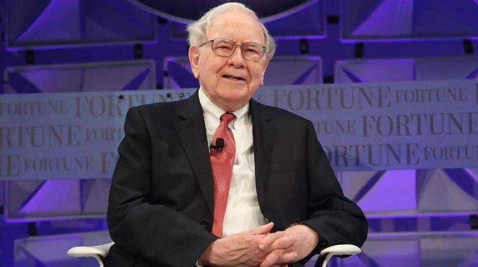 11 Simple Ways Warren Buffett is Frugal